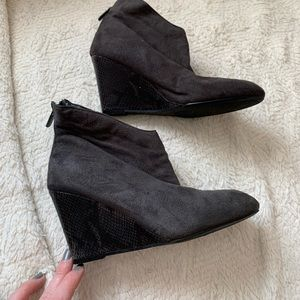 Impo size 7 faux suede and snake skin gray booties